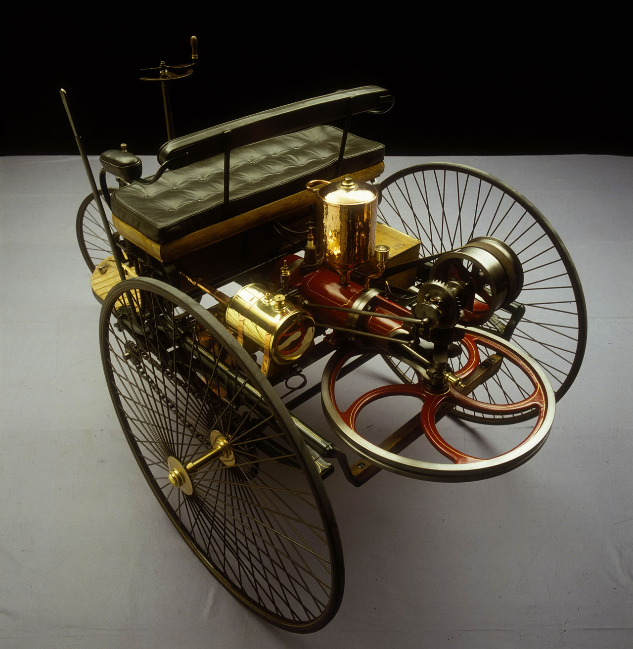 1000 images about cars 1885 1900 on pinterest first car for Mercedes benz 1900 model