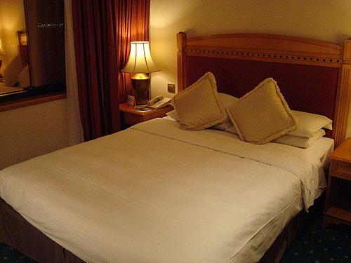 Ramada HongKong hotel~房間大又省 (必住度:3.2顆星)