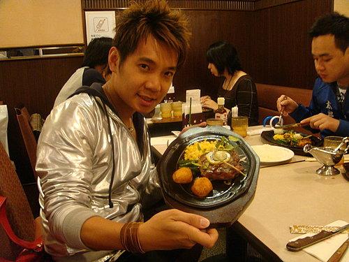 東京新宿美食 part1 TSUNA八(天婦羅名店) 肉之萬世(黑毛和牛專賣店) 北澤俱樂部(迴轉壽司)