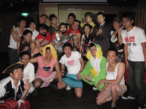 (show time影片)2009/04/25 Jung Wa Hua Jai`攝影師吳承芸的求婚變裝party上...
