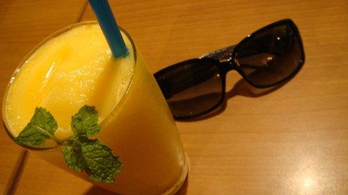 (曼谷)Bug & Bee ~ Silom區24小時cafe (必吃度:3.7顆星)