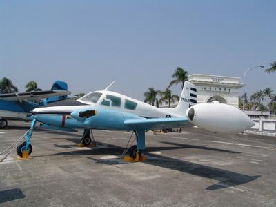 U-3A 連絡機