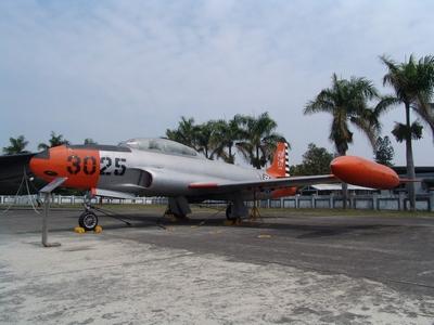 T-33A 射星式噴射教練機  Shootstar