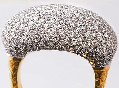 「演而優則唱」的意象移轉 -看Gucci與Bottega Veneta玩珠寶